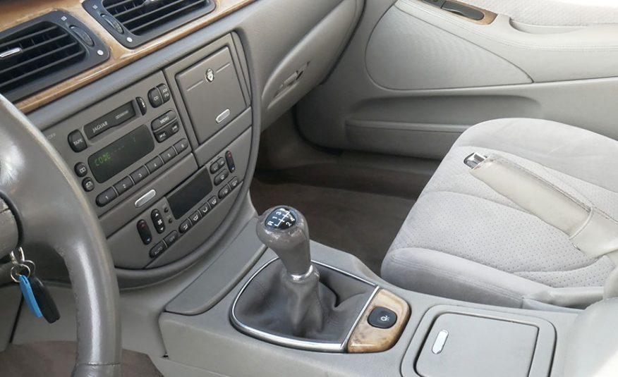 Jaguar S-Type 3.0 V6 Manual