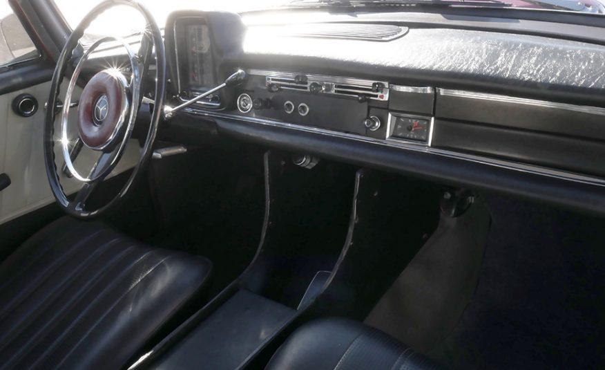 """Mercedes-Benz 190 1.9 D """"Colas"""""""